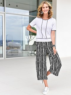 Striped Pattern Culottes product image (417582.WHBK.1.1_WithBackground)
