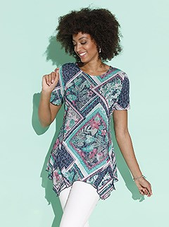 Patchwork Print Tunic product image (425291.BLPA.2.1_WithBackground)