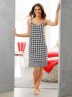 Houndstooth Print Nightgown product image (C66420.BKWH.1.1_WithBackground)
